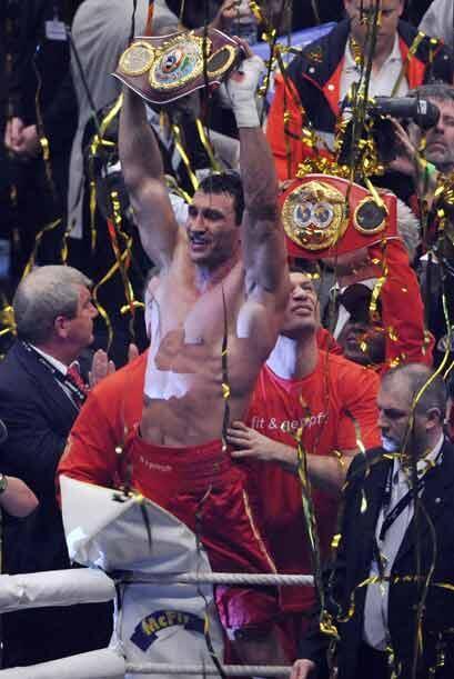 Klitschko, que es considerado como el mejor púgil de pesados en activo,...