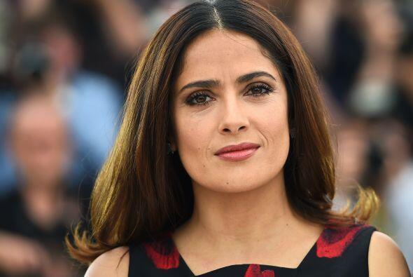 Durante la conferencia de la prensa, Salma alabó sus raíces mexicanas.
