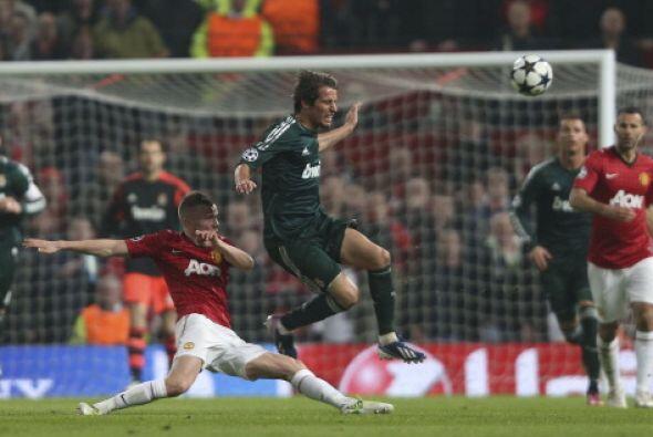 Manchester United presionó por todo el campo.