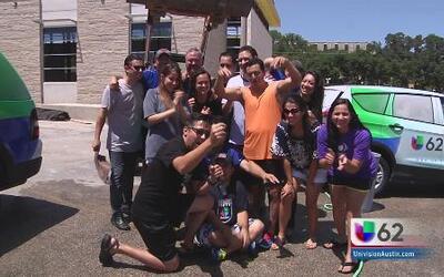 Univision 62 cumple el reto del agua helada