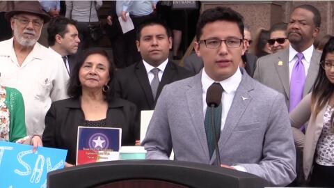Líderes de ascendencia hispana y afroestadounidense de Texas se u...