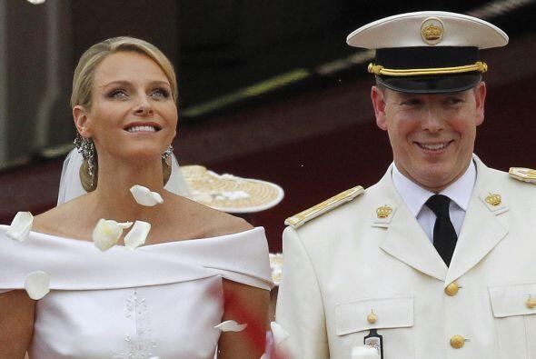Alberto II y Charlene de Mónaco anunciaron hoy que esperan su primer hij...