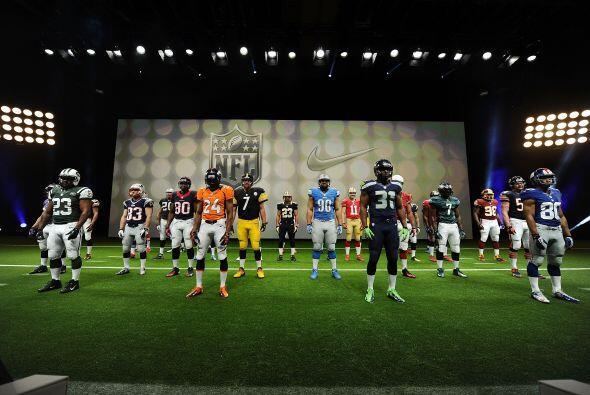 Nike es un nuevo socio de la NFL, al reemplazar a Reebok como proveedor...