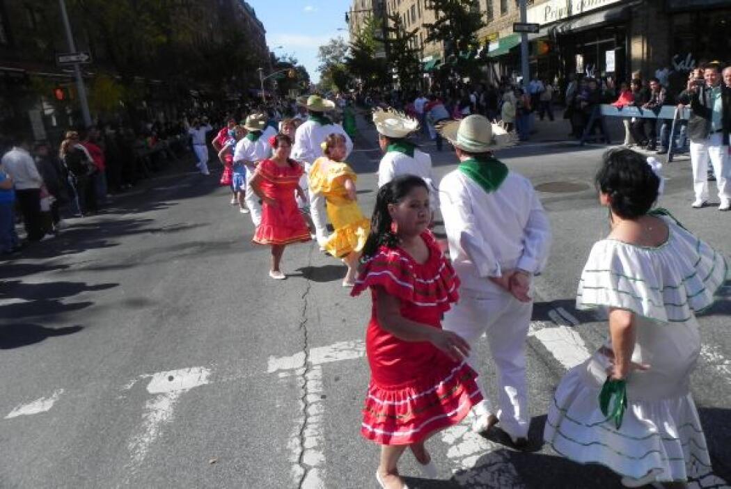Primer desfile Boliviano de Nueva York 66dbb964dc3d477bb97dcb4728472e2a.jpg