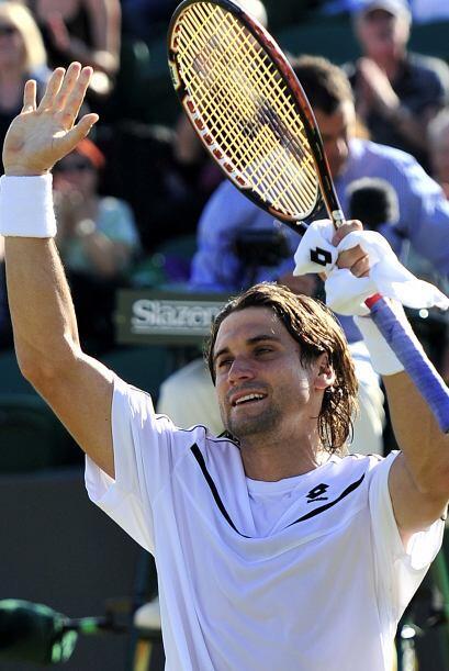 El español David Ferrer avanzó en Wimbledon al vencer al eslovaco Karol...