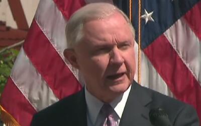 Jeff Sessions anunció su compromiso para acabar con la ola de crímenes p...