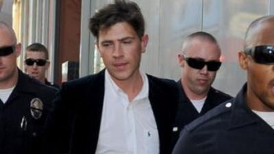 Agresor de Brad Pitt acusado, enfrenta cargos formales