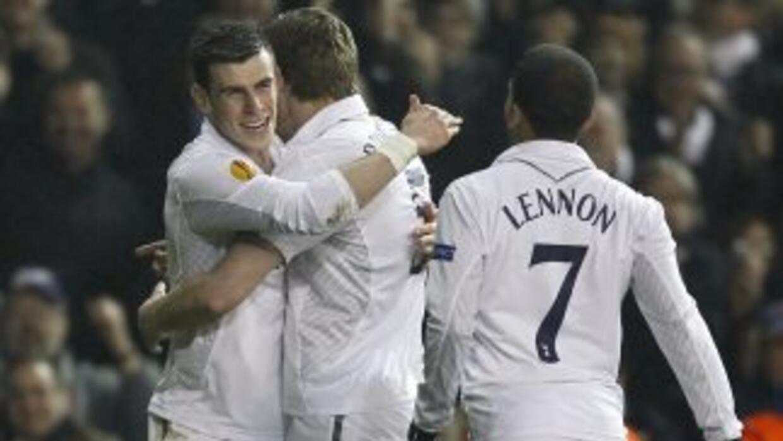 Bale, el líder de los 'Spurs' en los últimos juegos, abrió el marcador e...