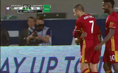 Goool!! Olmes García cobra la pena máxima y anota para el Real Salt Lake