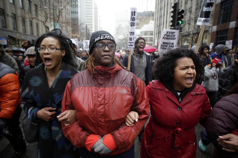 Tras el asesinato de Laquan McDonald, miles de personas salieron a prote...