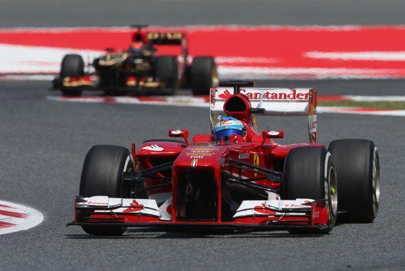 En la tercera parada de Alonso, los tiempos respecto a Kimi estuvieron m...