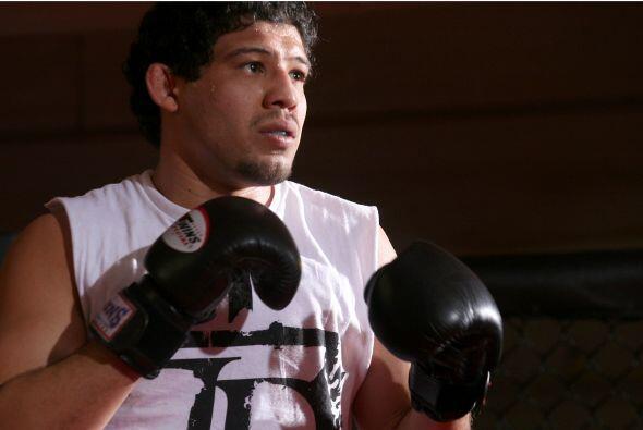 #6 Gilbert Melendez: Es el campeón de peso ligero de Strikeforce derrota...