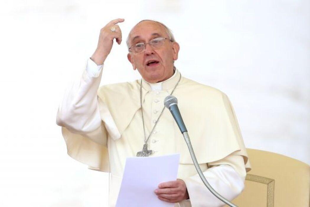 El rezo ocurrió en una jornada en la que se celebra en Italia el Día de...