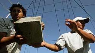 Encuesta revela que mexicanos desconocen sus derechos laborales en EU 89...