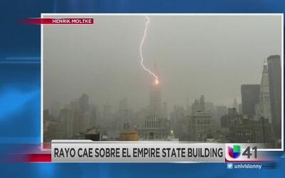 Edificio del Empire State es impactado por rayos 23 veces al año
