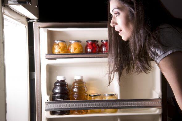 """No debes comer antes de acostarte"". Los expertos aseguran que no estarí..."