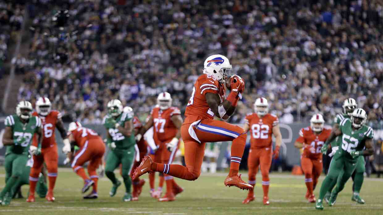 Los Buffalo Bills vencieron 22 - 17 a los New York Jets en el regreso de...