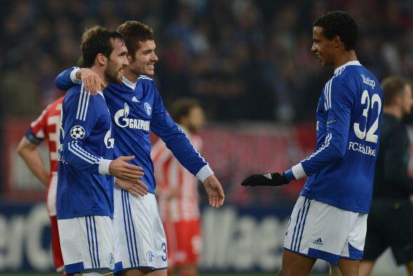 Finalmente, el Schalke 04 derrotó al Olympiakos con un solitario gol de...