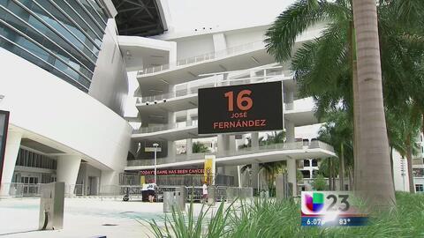 Fanáticos rinden tributo a José Fernández en el estadio de los Marlins