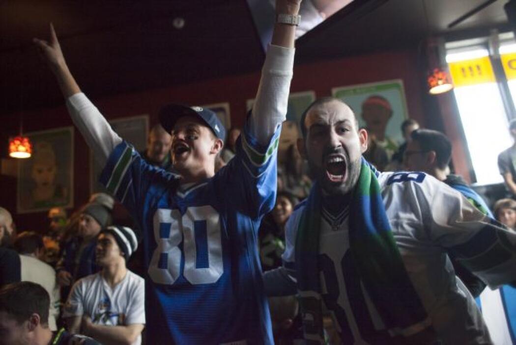 Y cuando el arrasador triunfo de los Seahawks se hizo oficial, la afició...