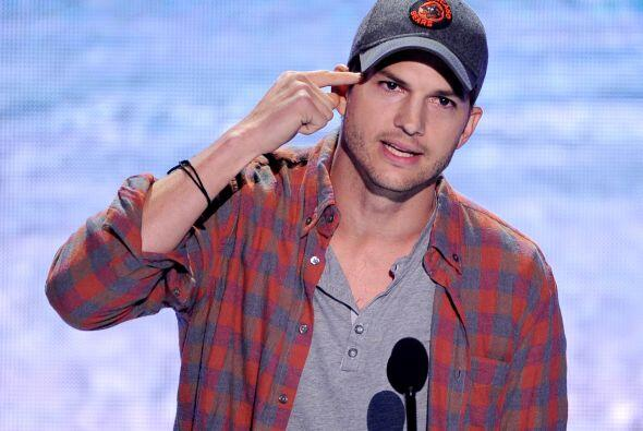 "Ashton Kutcher se llevó el ""Ultimate Choice Award"".  Mira aquí lo último..."