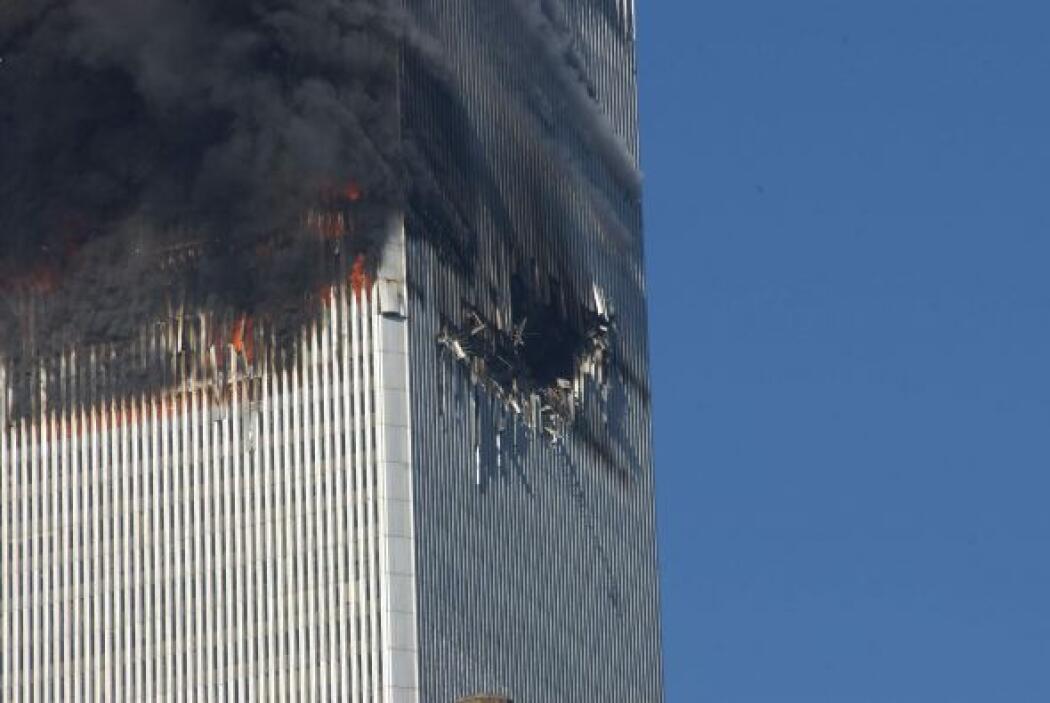El vuelo 11 de AA fue el primero en dar contra una de las torres, la Nor...