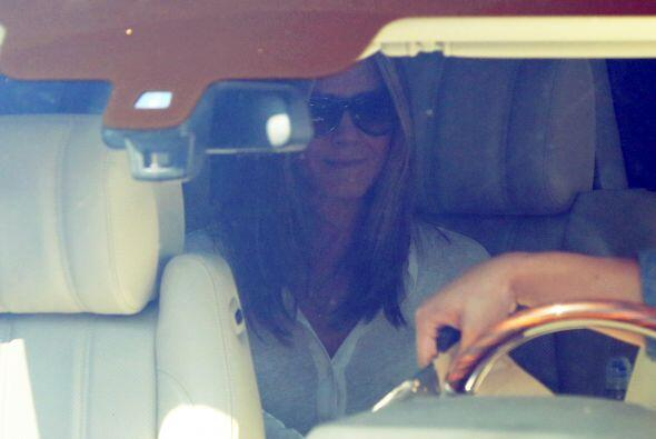 Por el momento Jennifer luce feliz y enamorada.