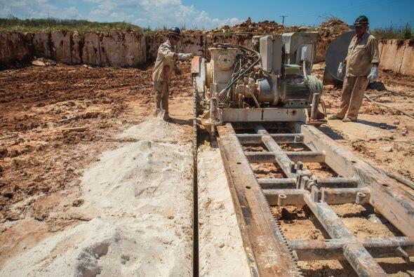 """""""El primer destino (del mármol cubano) son las obras del turismo; todas..."""
