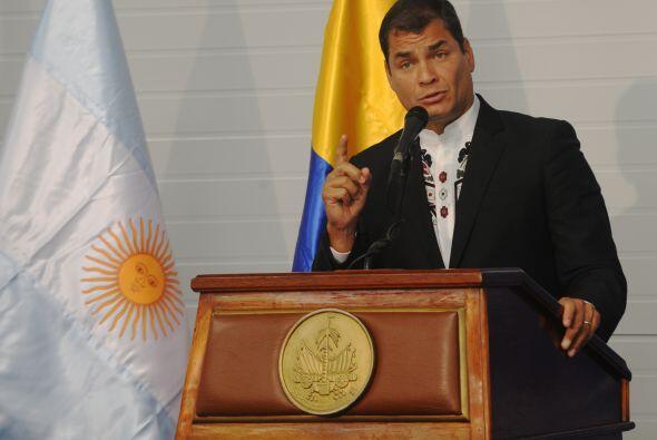 El presidente de Ecuador, Rafael Correa, enfrenta una revuelta de policí...