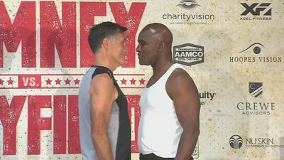 Así fue el primer encuentro entre Mitt Romney y Evander Holyfield antes...