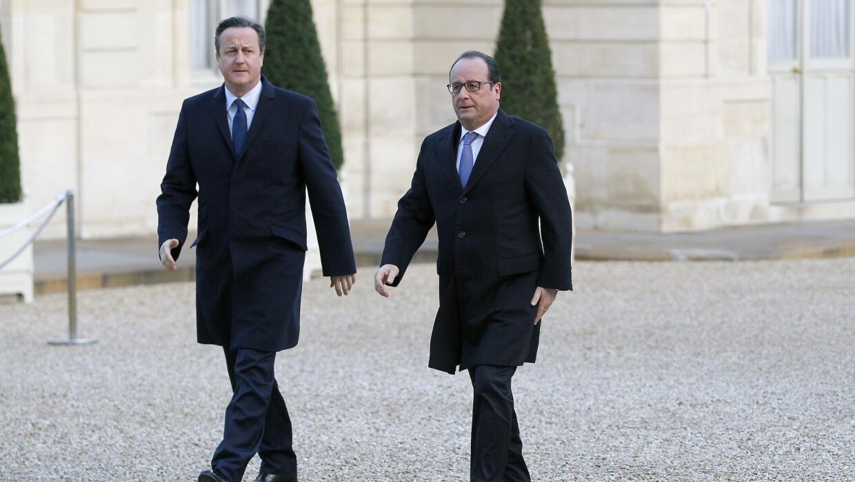 David Cameron y Francois Hollande en el palacio del Elíseo