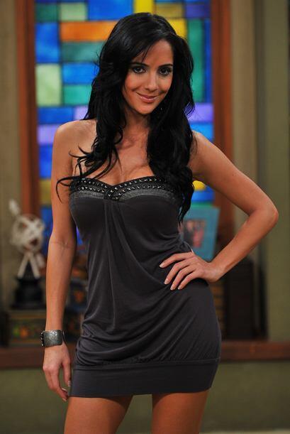 Karin Molina, muy bella y sensual.
