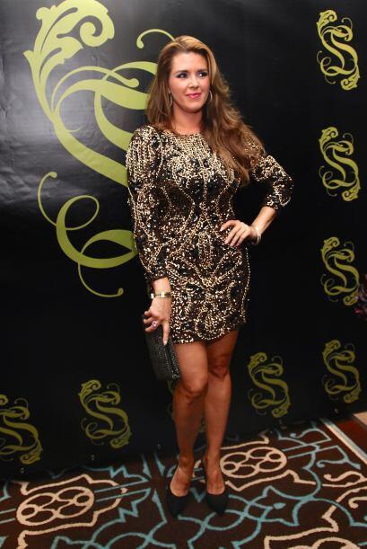 Al festejo llegó la guapa actriz Alicia Machado.