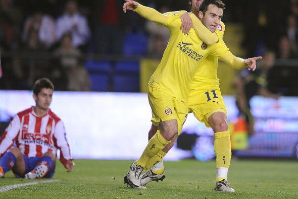 El italiano Guiseppe Rossi puso el 1-0 en favor de su club.