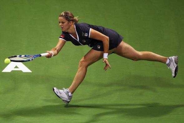 Clijsters inició con rompimiento sobre su rival para ponerse 2-0.
