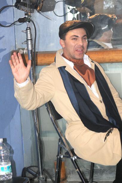 Sin embargo, el cantante salió vestido así como parte de u...