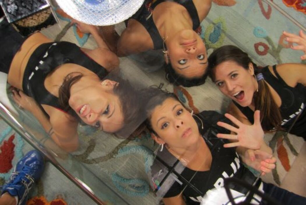 Marlin y las chicas se transformaron debajo del vidrio.