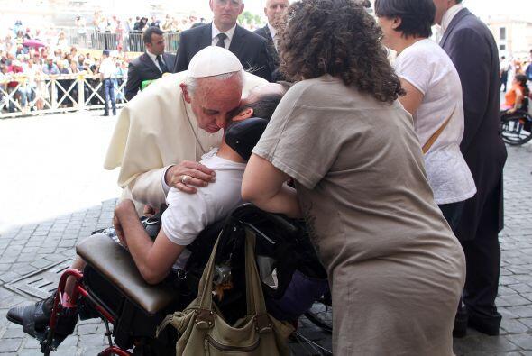 Como el pasado 26 de junio cuando el Papa se acercó a saludar a un niño...