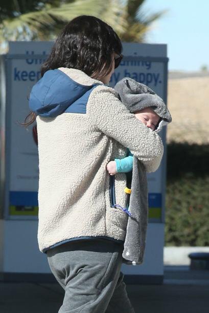 Rachel Bilson con su bebé.