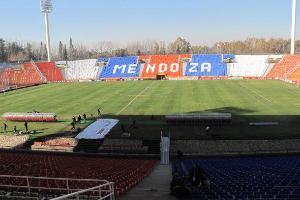 El estadio Malvinas Argentina de Mendoza, aquí las selecciones de Urugua...
