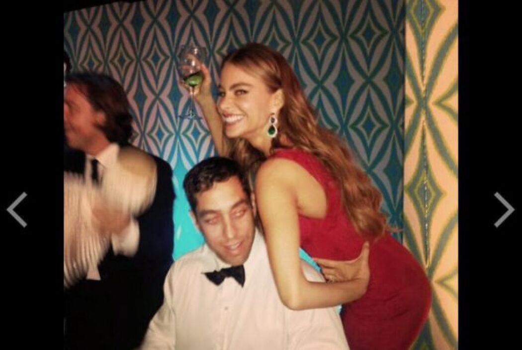 Sofía, ahora encimándosele a su novio.Mira aquí lo último en chismes.