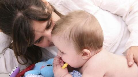 Aunque sólo sean temporales, cuida los primeros dientitos de tu bebé. Re...