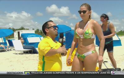 Elvis Rojas estuvo en las playas de Río haciendo de las suyas