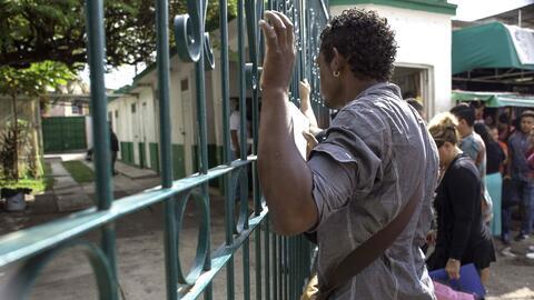 Cientos de cubanos se quedaron varados en México con el fin de la políti...
