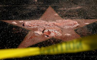 Un vándalo destruyó la estrella de Donald Trump en el Paseo de la Fama d...