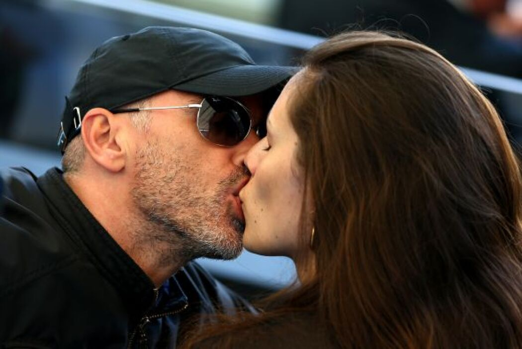 Ahora a él le dan tremendo besote. Mira aquí los videos más chismosos.
