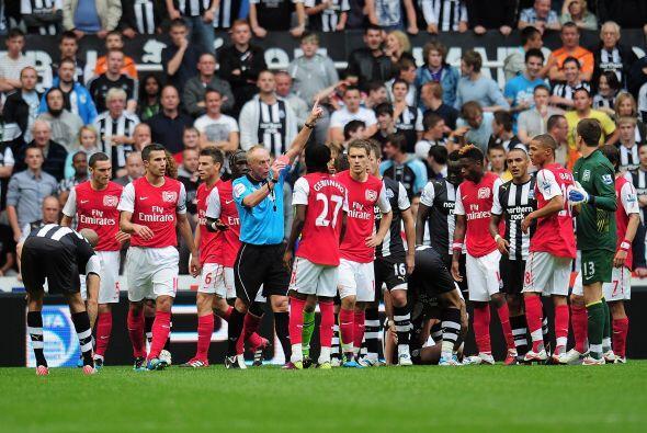 Varios jugadores se pelearon y discutieron en pleno campo de juego.