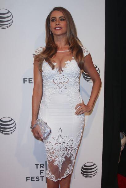 Vestida completamente de blanco, Sofía deslumbró a los pre...