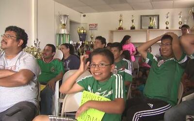 Mexicanos en Dallas celebran empate