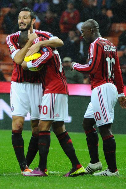 El primer tiempo fue un festín 'rossonero'.